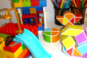 kind room gallery - construction made by children